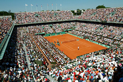 tennis fans at french open stade roland garros